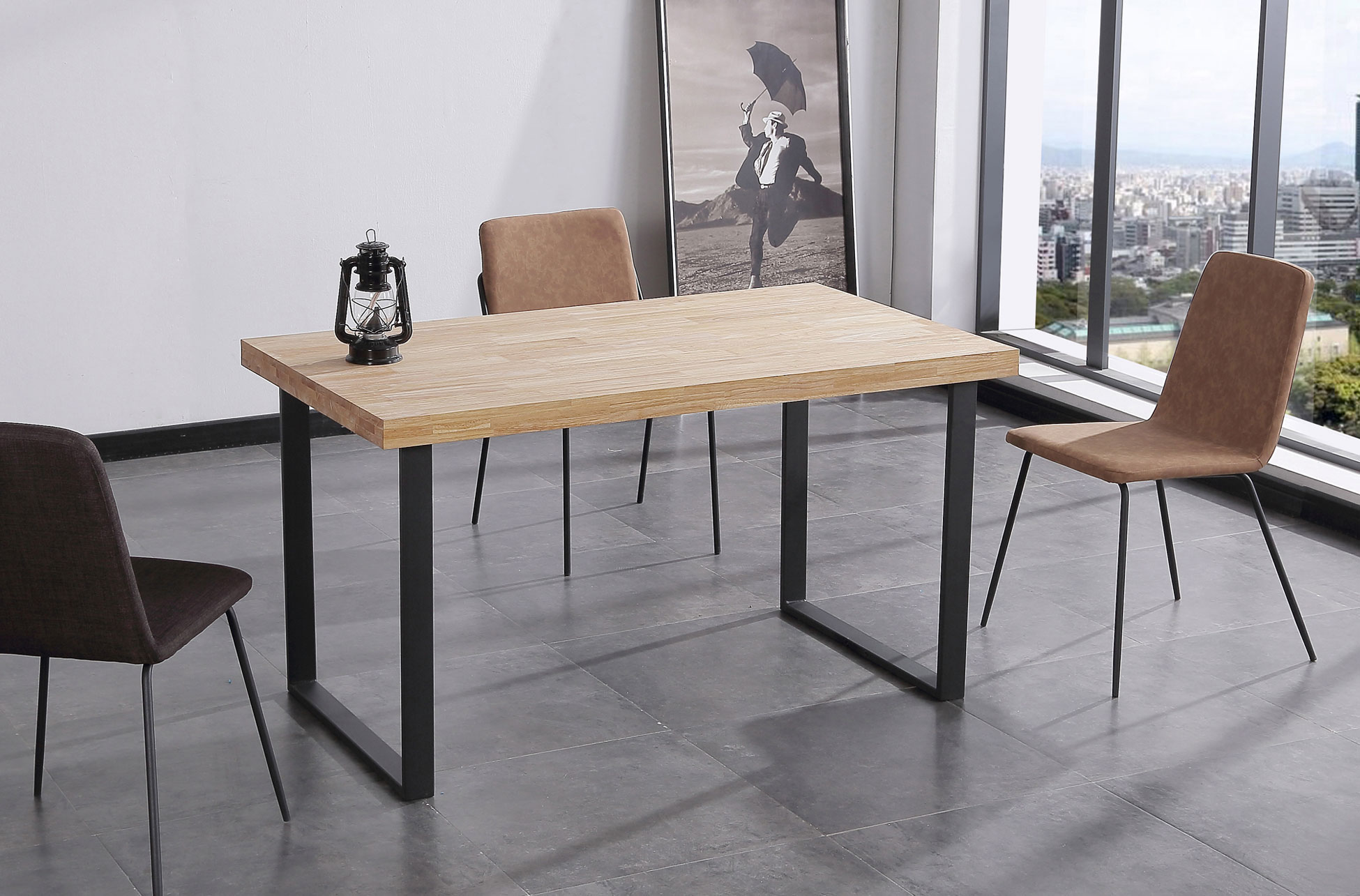 Mesa comedor fija NORDISH Roble Natural / Negro